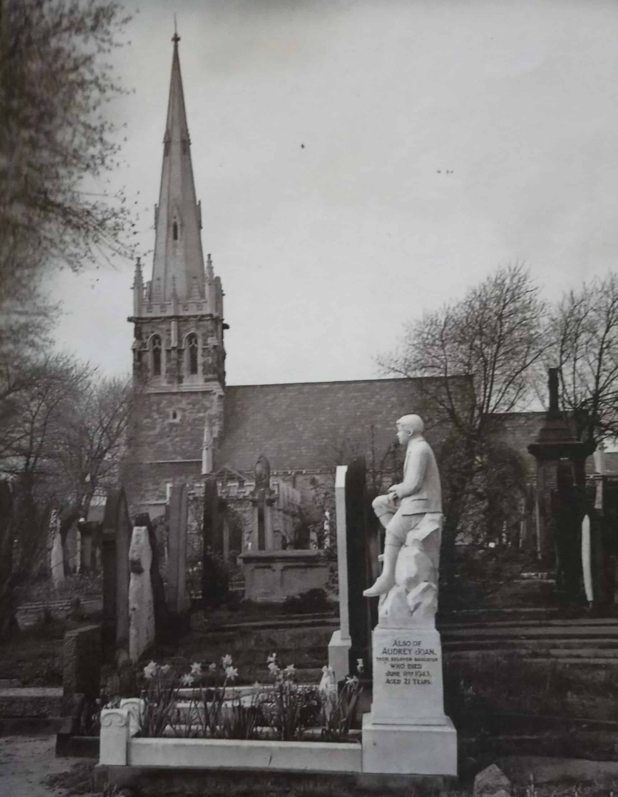 Photo showing the chapel in the mid-20th century (with thanks to Marie Haddleton)